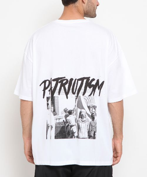 PATRIOTISM IS A MUST WHITE UNISEX-L